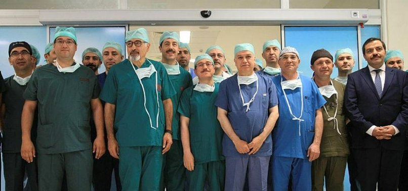 TURKEY BIDS TO SET GUINNESS RECORD IN LIVER TRANSPLANT