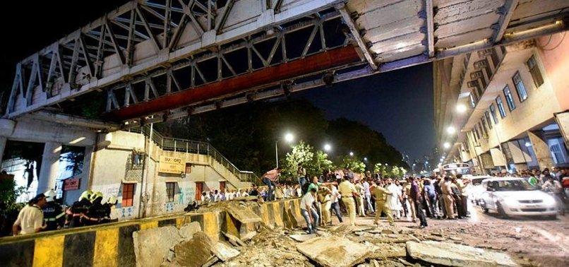 6 KILLED AS FOOTBRIDGE COLLAPSES IN INDIAS MUMBAI