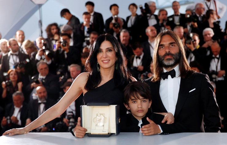 Ülkesinin yoksul mahallelerindeki hayatları konu edinen filmiyle Cannes Film Festivali'nde ödül alan Lübnanlı kadın yönetmen Labaki toplumsal duyarlılığıyla büyük ilgi gördü.