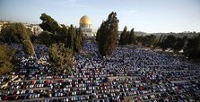 Palestinians converge on Al-Aqsa for Friday prayers