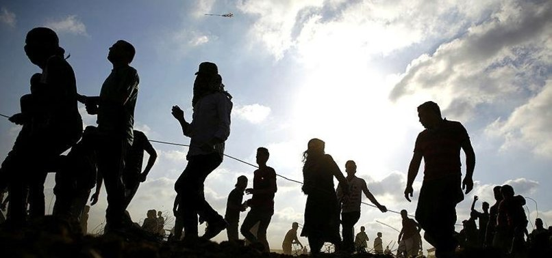 GAZANS RETURN TO ISRAEL BORDER FOR 10TH FRIDAY IN ROW