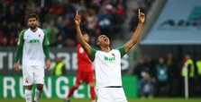 Bayern stunned by late goal in draw at Augsburg