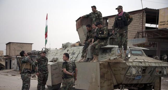 Peshmerga forces rests in Bashiqa, outskirts of Mosul, northern Iraq, 16 November 2016.  (EPA Photo)