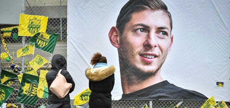 WORLD MOURNS ARGENTINIAN PLAYER SALA KILLED IN CRASH