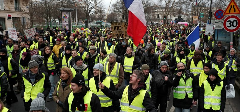 DAY AND NIGHT, YELLOW VEST PROTESTS KEEP PRESSURE ON MACRON