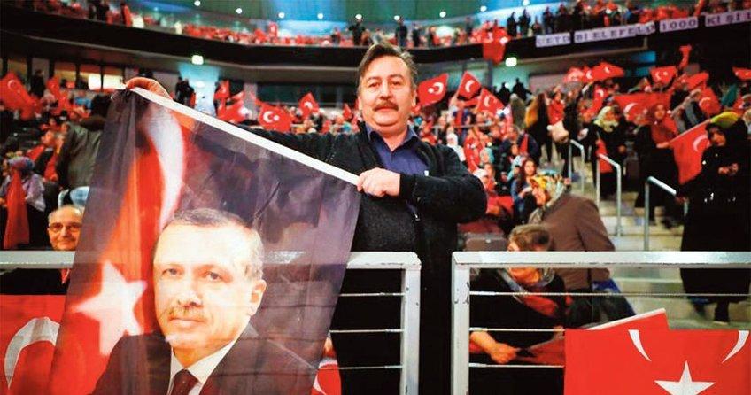 Almanyalı Türkler Erdoğan'ın yanında