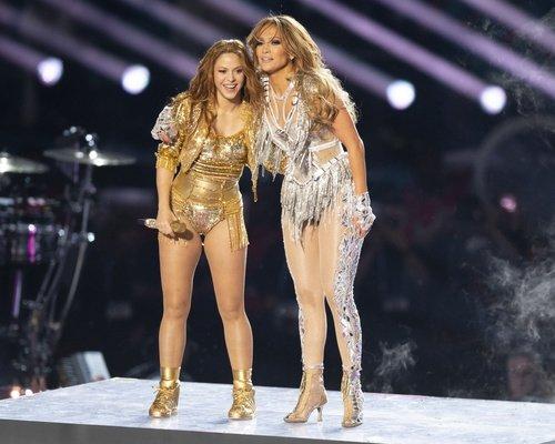 2020 Super Bowl'da Jennifer Lopez ve Shakira rüzgarı