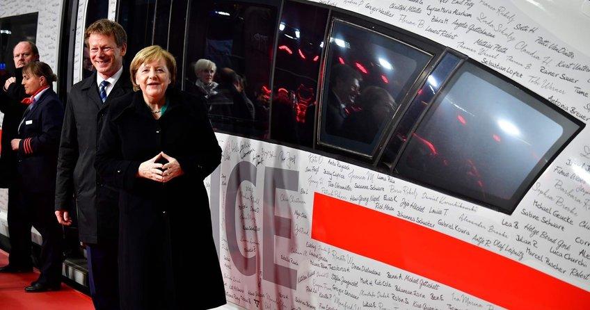 Merkel, Berlin-Münih arasını 4 saate indiren hızlı tren hattını açtı