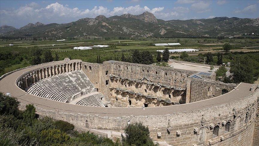 ASPENDOS ANTİK KENTİ'NİN UNESCO'NUN KALICI LİSTESİNE ALINMASI İÇİN ÇALIŞMA YÜRÜTÜLÜYOR