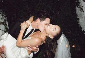 Ariana Grande düğününden fotoğrafları paylaştı