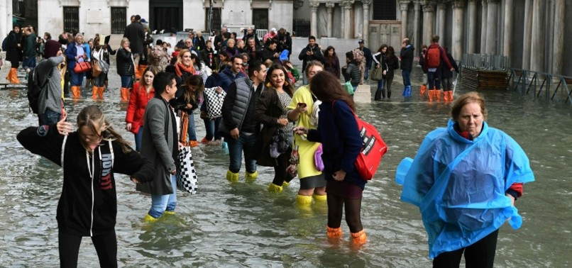 MAJOR FLOODS IN VENICE FORCE EVACUATION OF ST MARKS SQUARE