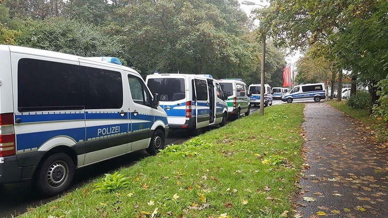 Police cars are lined up in front of an appartment building in Chemnitz, eastern Germany, Saturday, Oct. 8, 2016 (AP Photo)