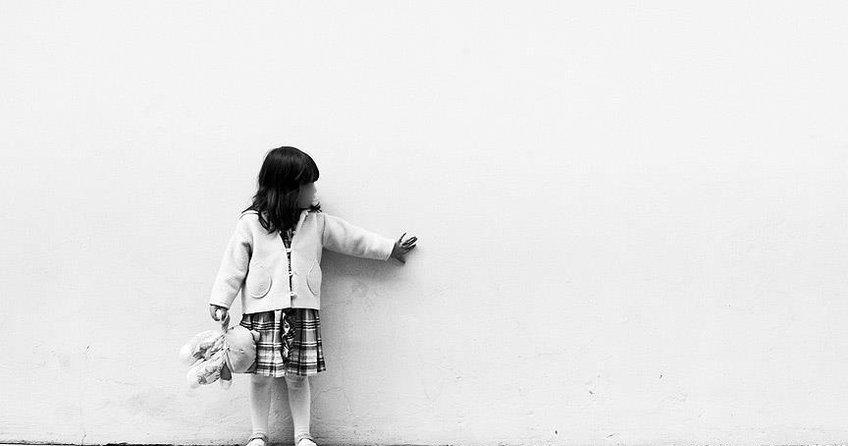 Yunanistanda 2,5 yılda 325 çocuk tecavüze uğradı