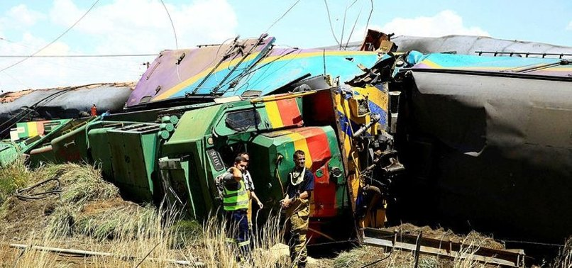 12 KILLED, MORE THAN 260 INJURED IN SOUTH AFRICA TRAIN CRASH