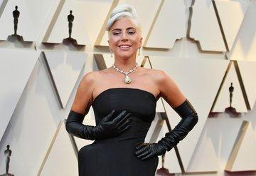 Lady Gaga, Oscarda30 milyon dolarlık elmas taktı