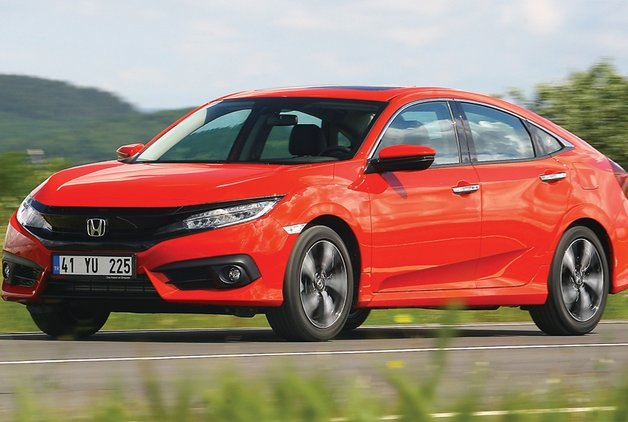 TEST · Honda Civic Sedan RS