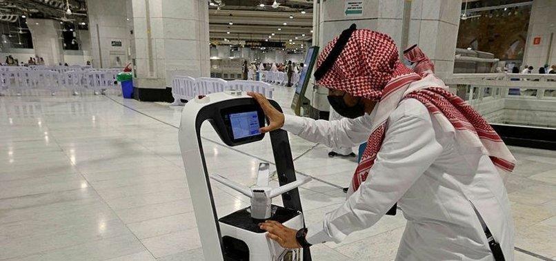 SMART CARDS AND ROBOTS: SAUDI ARABIAS DIGITAL HAJJ