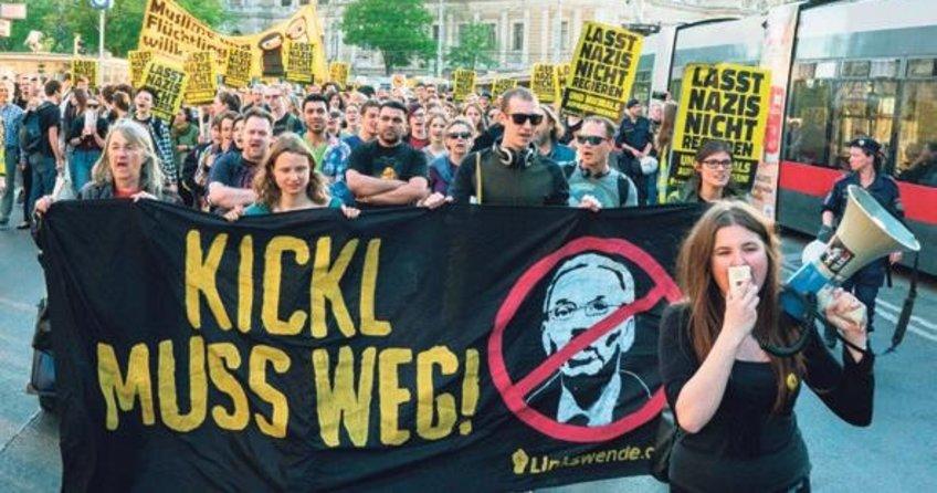 İçişleri Bakanı'na büyük protesto