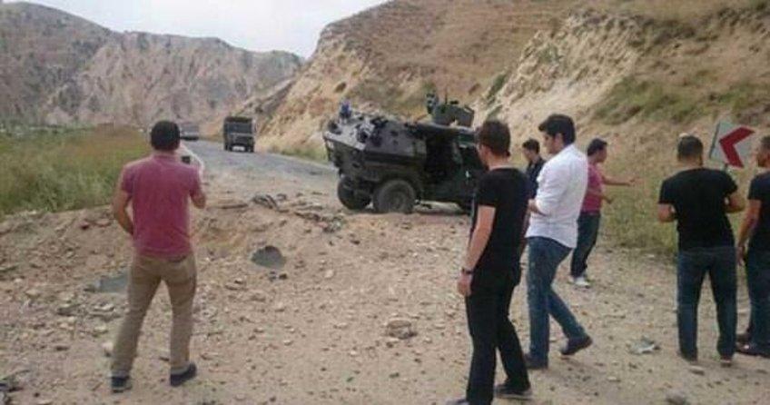Askeri aracın geçişi sırasında patlama, yaralılar var