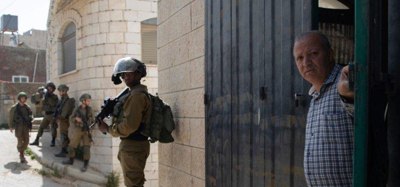 ISRAEL ARRESTS 13 PALESTINIANS IN WEST BANK