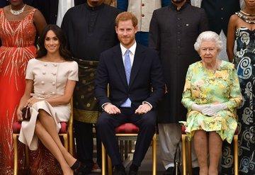 Kraliçe, Lili Bebek ile Görüntülü Konuşarak Tanıştı