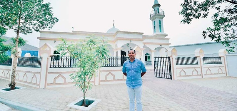 INDIAN CHRISTIAN GIFTS UAE WORKERS A MOSQUE FOR RAMADAN