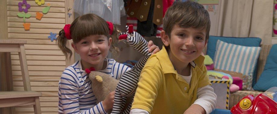 Sevimli ve Meraklı İkizler