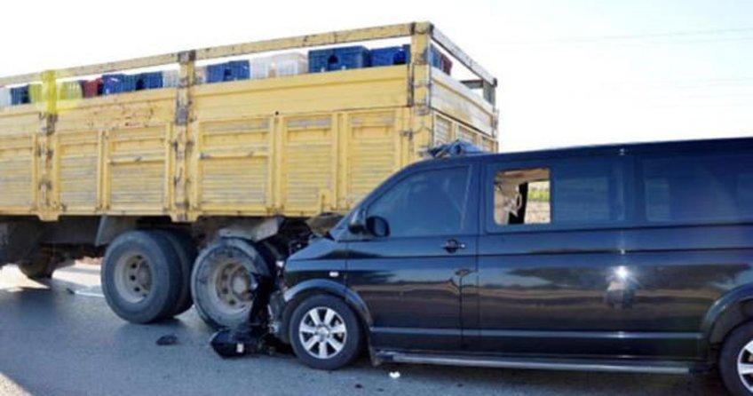 Bakanın kardeşi kazada yaralandı