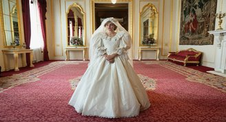 The Crowndan İngiliz Kraliyet ailesine rest