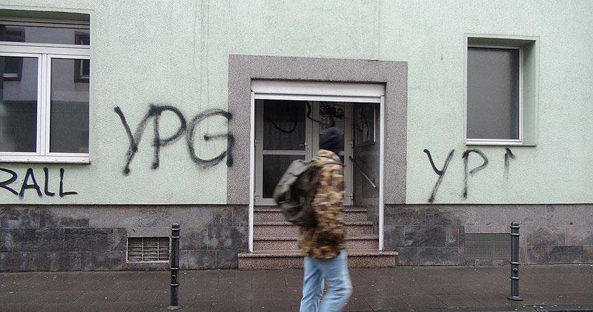 PYD/PKK yandaşları Almanya'da cami ve restorana saldırdı