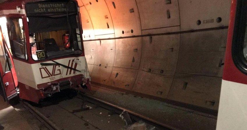 Almanyada metro kazası: 35 yaralı