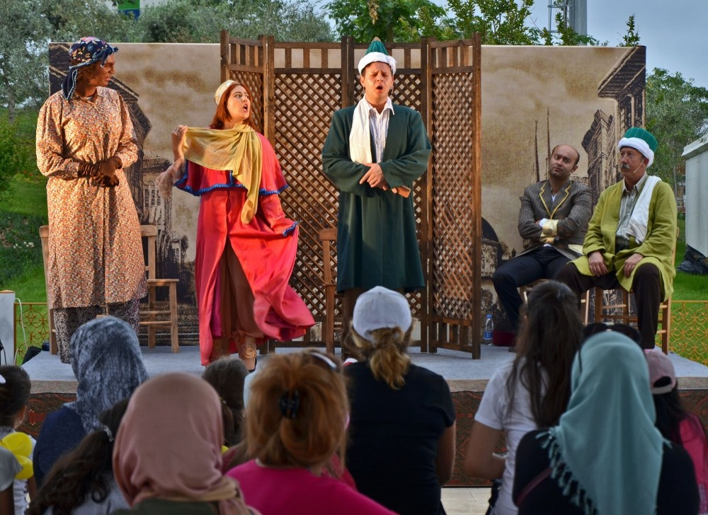 The Ottoman Garden also offers various entertainment that was popular during the Ottoman era. Story tellers, comedy plays, Hacivat & Karagu00f6z shadow plays, Sufi music concerts, Nasreddin jokes & calligraphy workshops are all on offer at Ottoman Garden