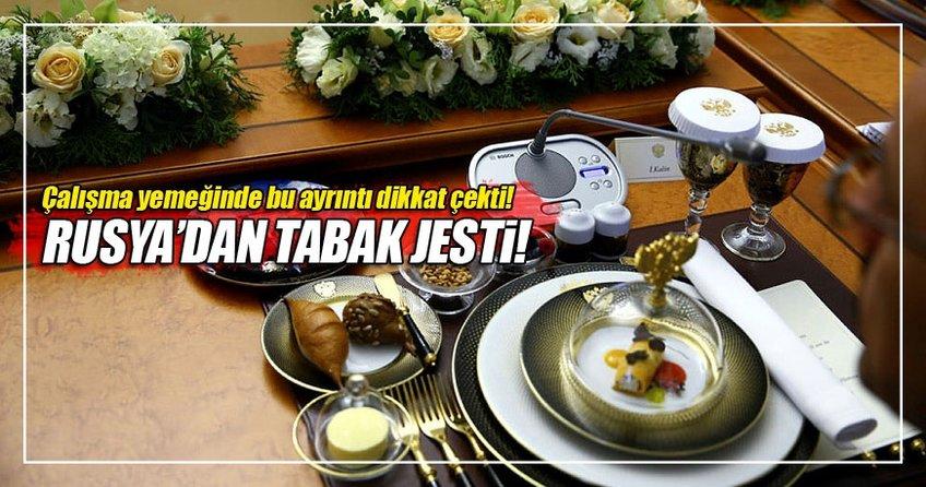 Rusya'da Türk heyete tabak jesti