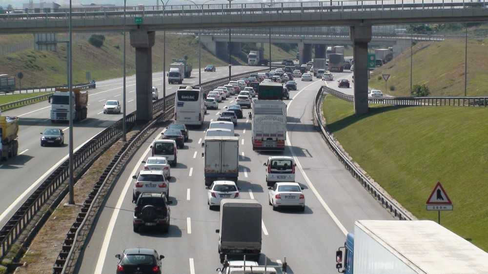 Roads leading out of Istanbul were busy on Friday morning as holidaymakers hit the road early ahead of eid.