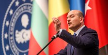 Trying to control Daesh with YPG defies reason: Minister Soylu