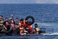 قال المدير العام للمنظمة الدولية للهجرة، وليام لاسي سوينغ، إن خفر السواحل التركية أنقذ 37 ألف مهاجر من الموت خلال العام الماضي (2016).  جاء ذلك في كلمة ألقاها سوينغ، الخميس، في ندوة على هامش...