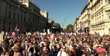 UK: More than half a million gather in pro-EU march