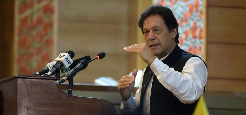 IMRAN KHAN BATS FOR KASHMIRIS' RELIGIOUS RIGHTS