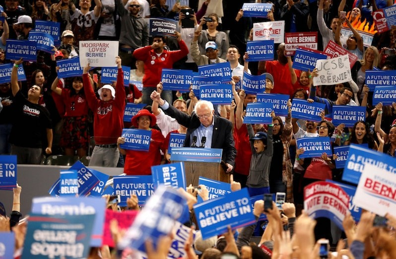 U.S. Democratic presidential candidate Bernie Sanders announces to the crowd that he had just won Oregon during a rally in Carson, California, U.S.. (Reuters Photo)