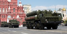 Russia to supply S-300 missile systems to Assad regime