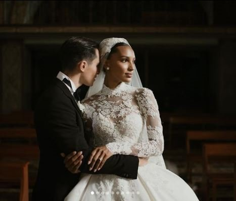 Jasmine Tookes evlendi