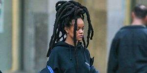 Rihanna'nın 5 Bin Dolar'lık Sokak Kıyafeti