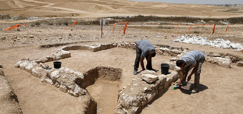 ARCHEOLOGISTS FIND 1,200-YEAR-OLD MOSQUE IN ISRAEL