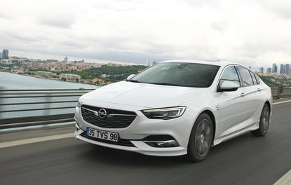 TEST · Opel Insignia Grand Sport 1.6 CDTi 6AT