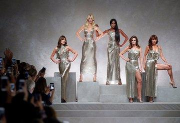 Modanın altın kızları podyumda!