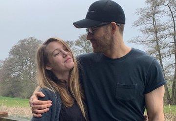 Ryan Reynoldstan Blake Livelyye sürpriz doğum günü kutlaması!