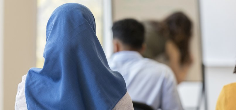 KURZS PROPOSAL ON HEADSCARF BAN DRAWS REACTION OF AUSTRIAN MUSLIMS