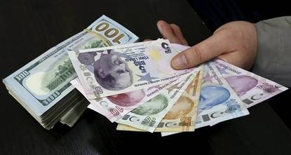 قال وزير الاقتصاد التركي، نهاد زيبكجي، إن المرحلة القادمة ستشهد عودة الليرة التركية إلى مسارها الطبيعي، بعد فشل حركة التقلبات والمضاربات، مؤكداً أنه لا يوجد أي سبب يمنع تحقيق ذلك.  وأكد زيبكجي،...