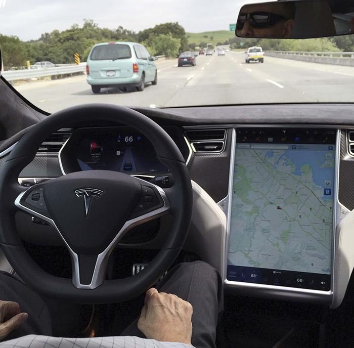 The interior of a Tesla Model S is shown in autopilot mode in San Francisco, California, U.S., April 7, 2016. (Reuters Photo)