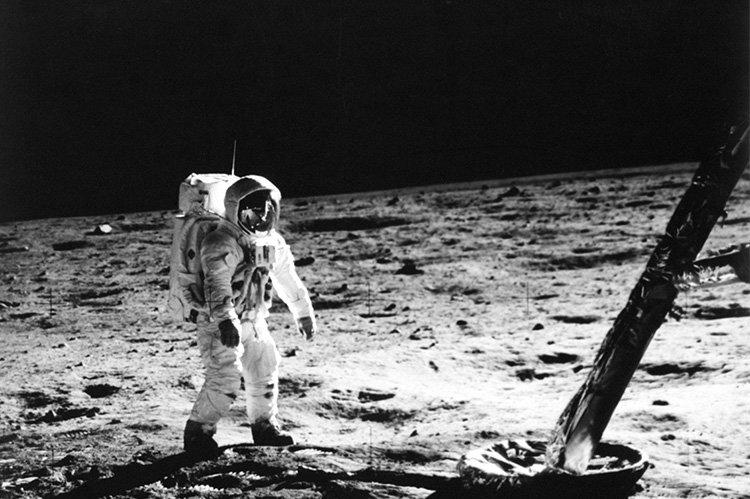 NASA, AY'DA SU OLUŞABİLECEĞİNİ İDDİA EDİYOR.
